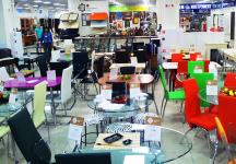 Продажа столов со стенда