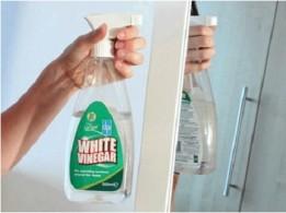 Как очистить стеклянный стол от пятен
