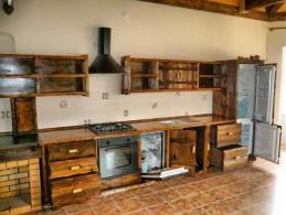 Как состарить мебель из массива?
